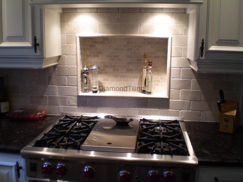 Kitchen Backsplash Tiling, Granite countertops, glass tile ...